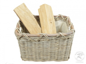 Holzkorb Korb Tragekorb aus Rohr gefüttert (47x37x31)
